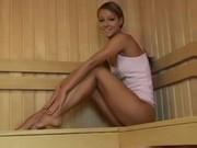 Видео красивые девушки в сауне