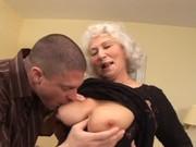 Секс кончить бабушке внутрь