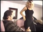 Порно блондинка в черном белье